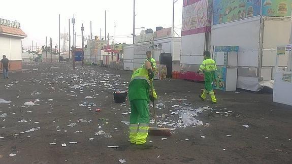 Ampliado eldispositivo especial de limpieza para la feria de Almería 2016